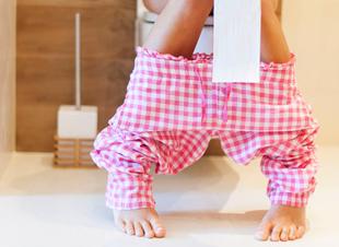 Hoe moet een wc-rol hangen?