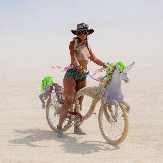 ZIEN: Dit droegen celebrities afgelopen week op Burning Man