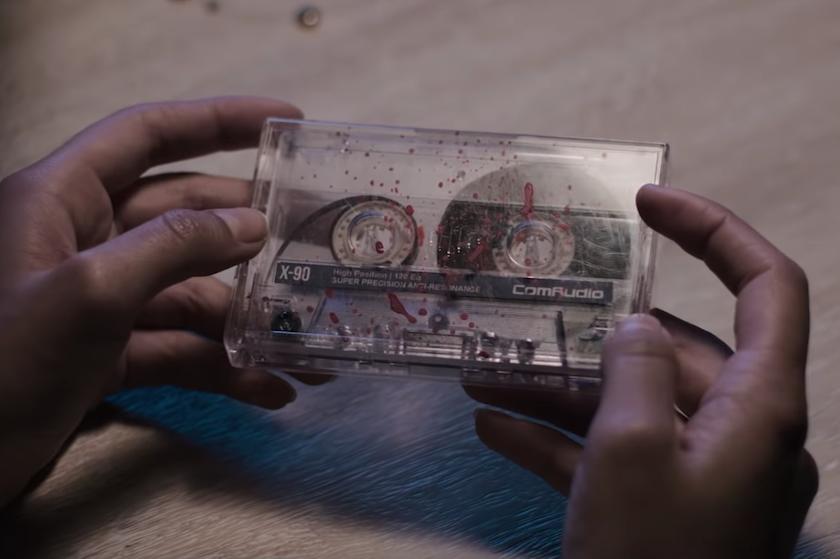 Gloednieuwe '13 Reasons Why'-trailer schept chaos: íedereen kan de moordenaar zijn