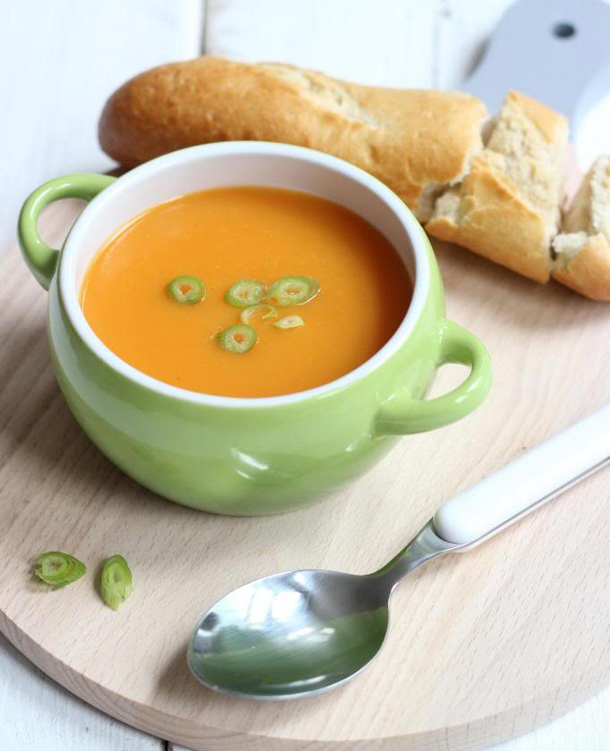 Aardappel-wortel soep