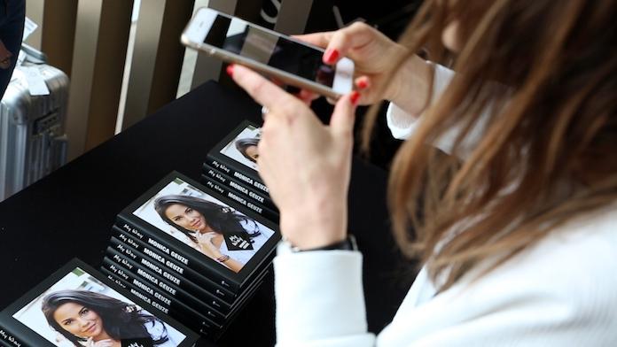 Zien: Monica Geuze presenteert haar eerste boek 'My Way'