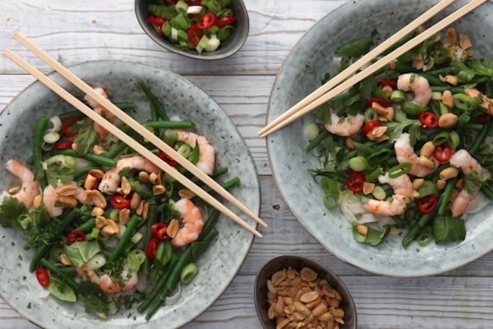 Zomers recept: Thaise rijstnoedelsalade met garnalen