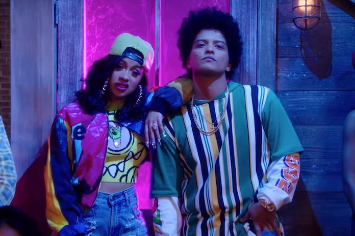 Whoa! Bruno Mars doet 't met Cardi B