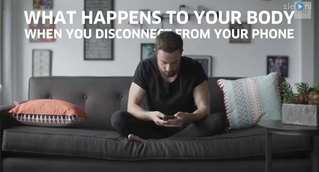 Video: Wow! Dit doet het uitzetten van je telefoon met je!
