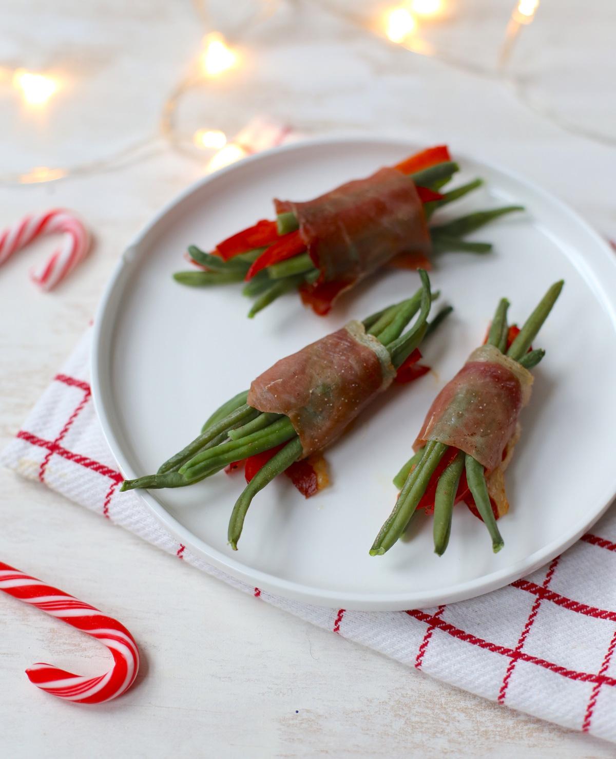Haricots verts met paprika en serranoham
