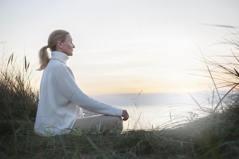 Iets meer met je spiritualiteit doen: zo pak je dat volgens een coach aan