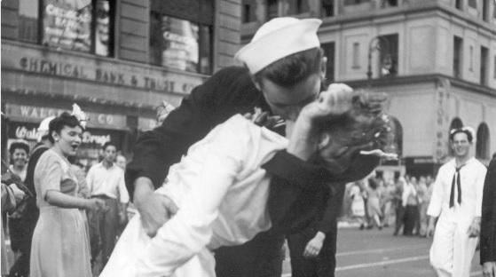 Zien: Vrouw uit één van de meest iconische foto's aller tijden is overleden