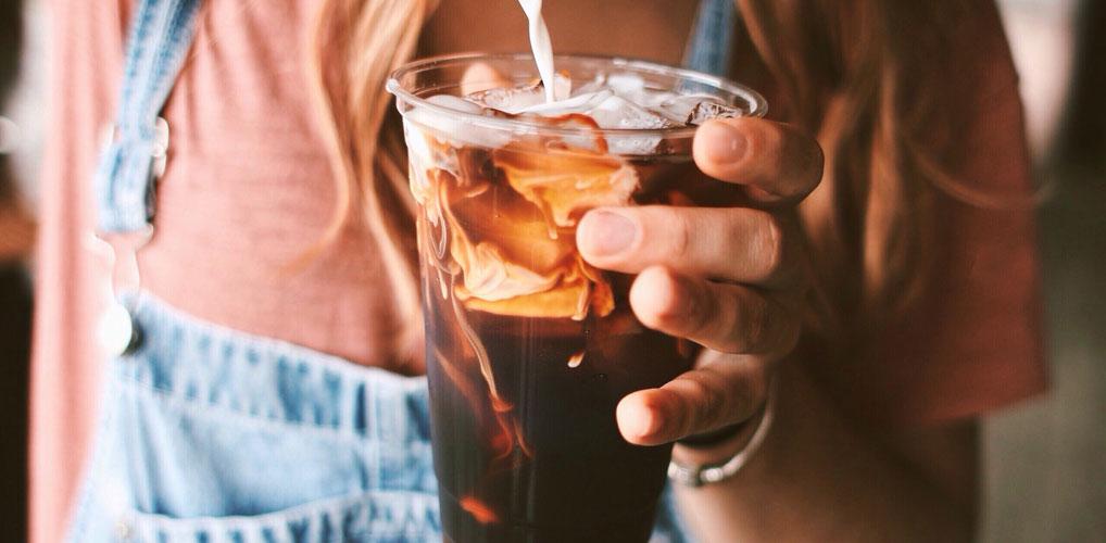 De nieuwste trend in koffieland heet 'proffee' en fitgirls zijn er dol op