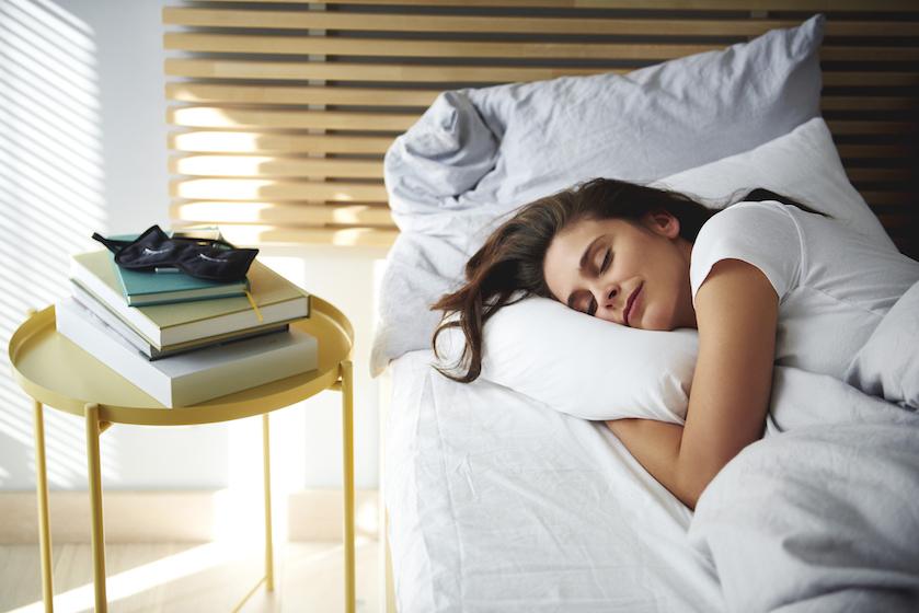 's Nachts sneller in slaap vallen? Probeer dan eens 'moon breathing'