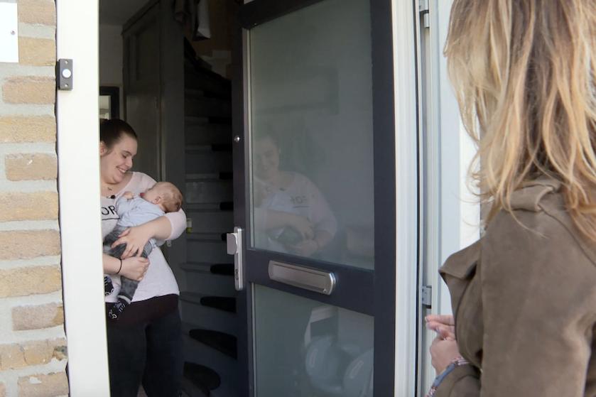 'Vier Handen Op Eén Buik' keert bíjna terug op de buis met déze populaire bekende moeders