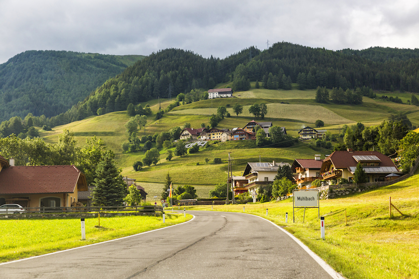 Al voorzichtig je autovakantie plannen? In dít Europese land worden verkeersboetes extreem duurder