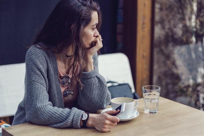 Opgebiecht: 'Mijn beste vriendin kan niet van de coke afblijven'