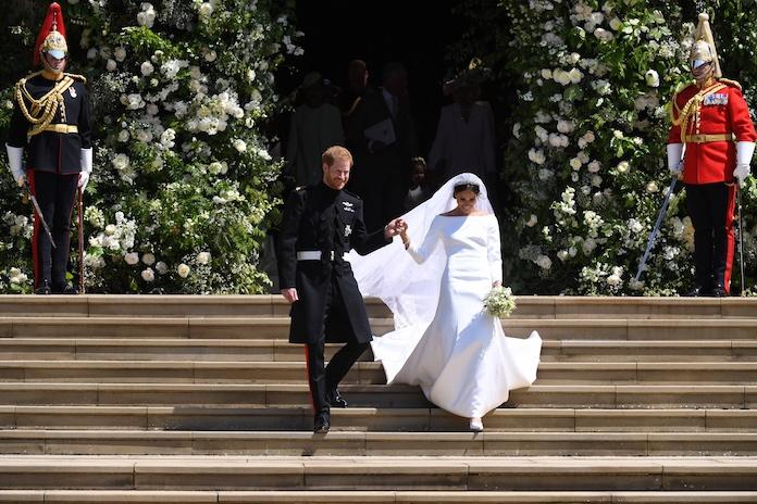 Hebben: hier vind je betaalbare lookalikes van Meghans trouwjurk