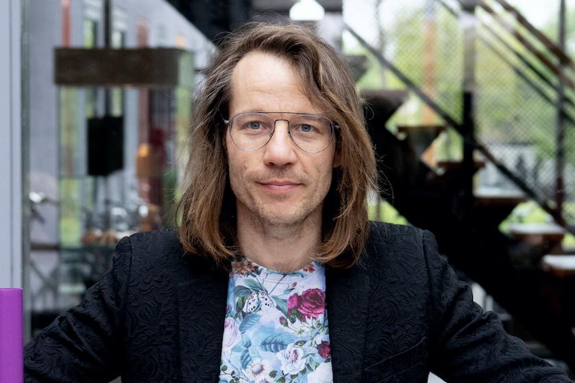 Ophef over kruidendrankje van Giel Beelen: 'Het is vergelijkbaar met een antidepressivum'