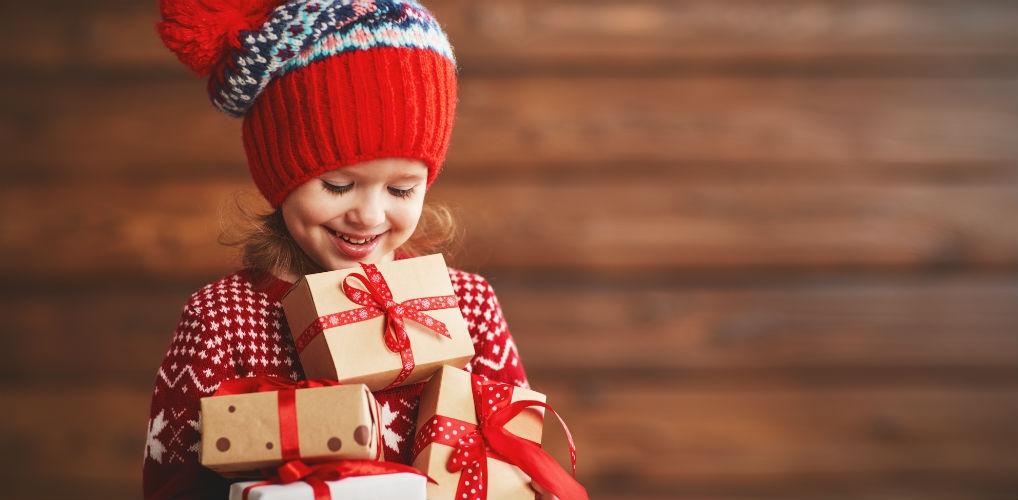 Zó veel sint- en kerstcadeaus kun je kinderen volgens experts het best geven