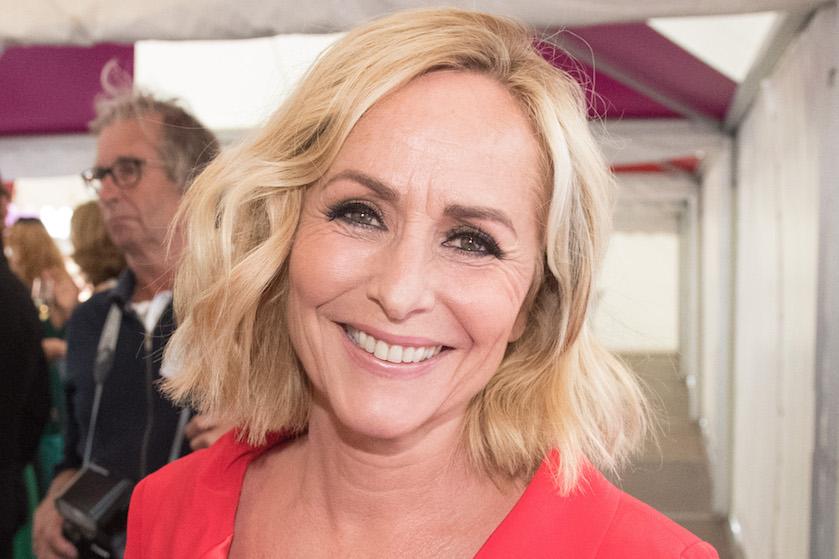 Zien: Angela Groothuizen deelt eerlijke selfie met én zonder make-up