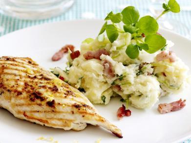 Recept: zomerstamppot met gegrilde kip