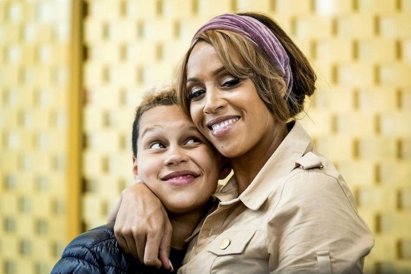 Glennis Grace openhartig over haar zoon én haar kinderwens met 23-jarige vriend