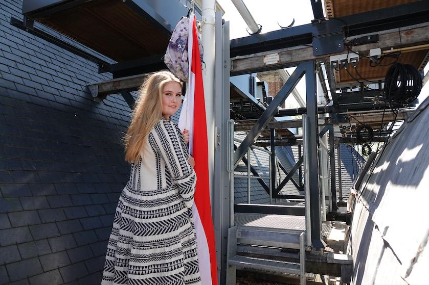 Hup, in het winkelmandje: hier scoor je de leuke 'geslaagd outfit' van Amalia