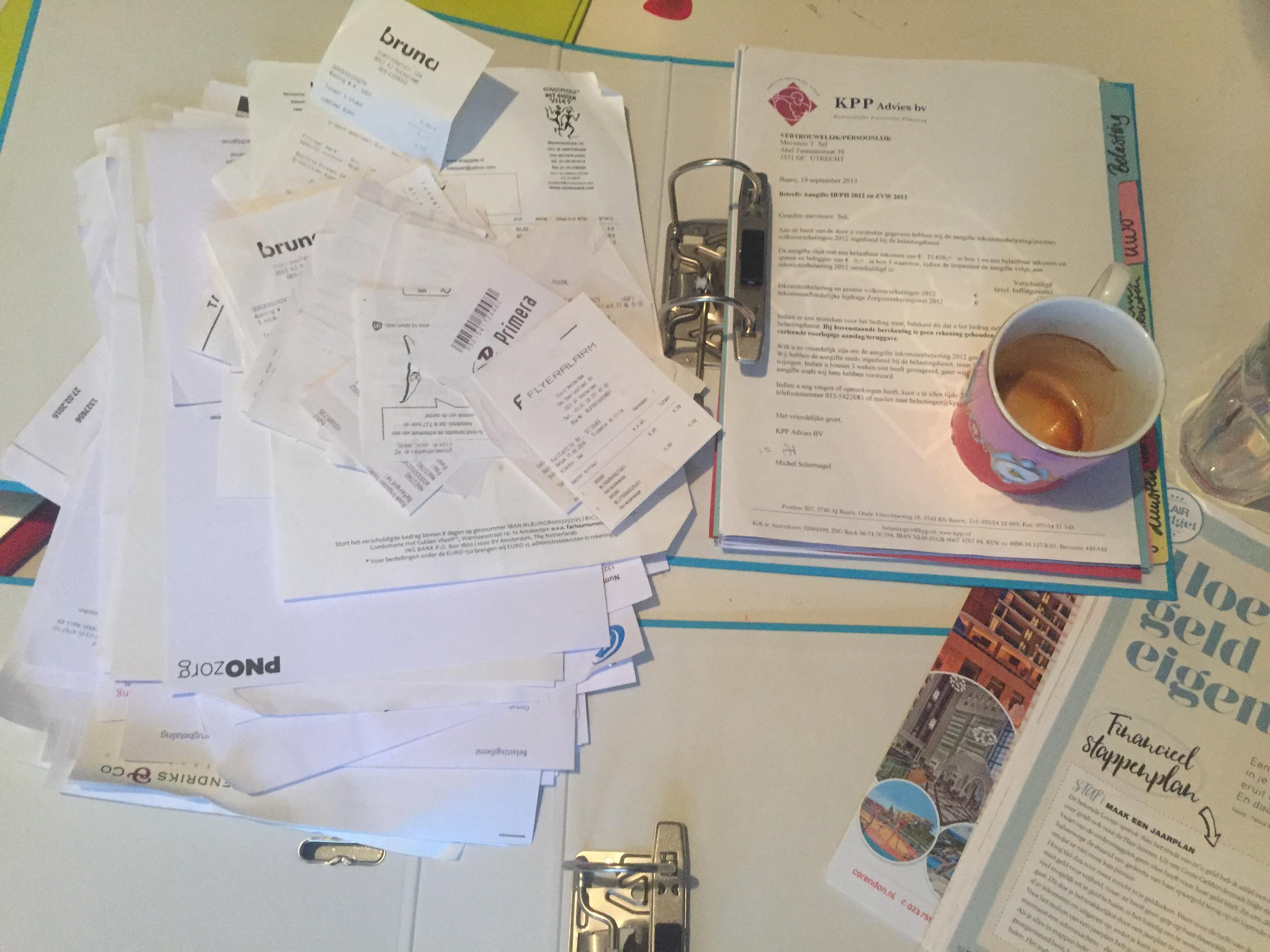 Column Tosca: Besparen voor dummies: alles onder de koffie