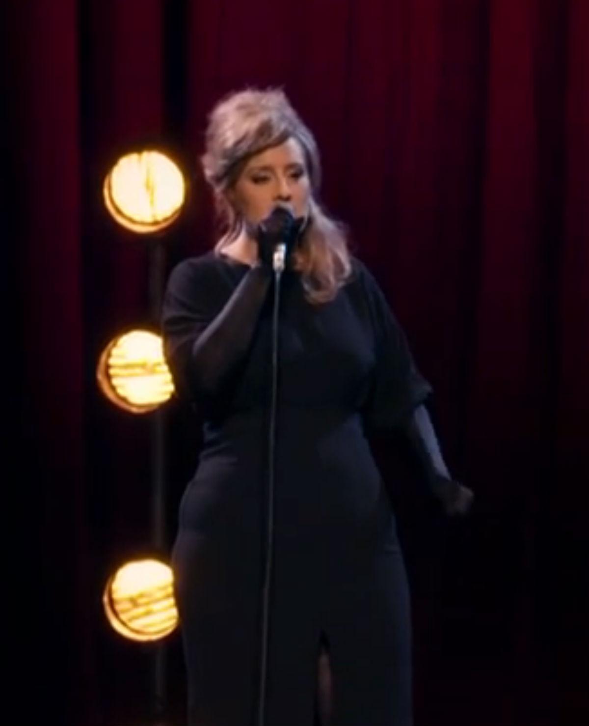 Adele doet onherkenbaar Adele na in talentenshow