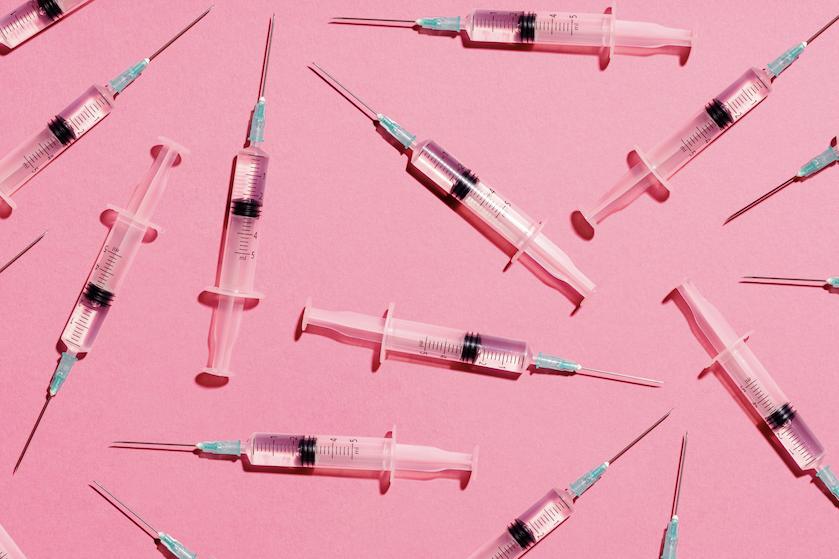 Coronavaccinatie: krijg je heftigere bijwerkingen na je tweede prik dan na de eerste?
