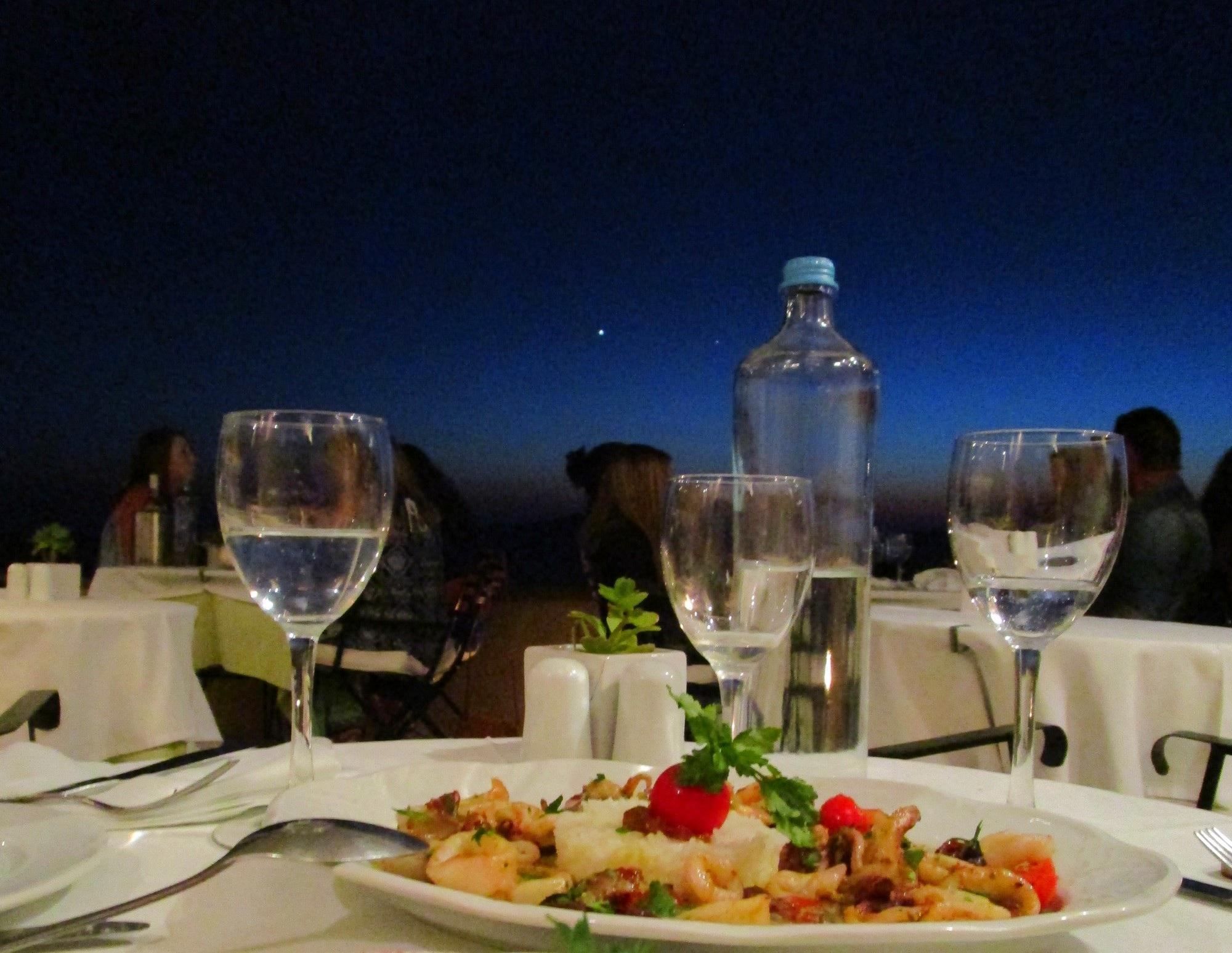 grieks-eten-op-santorini-foto-denise-miltenburg