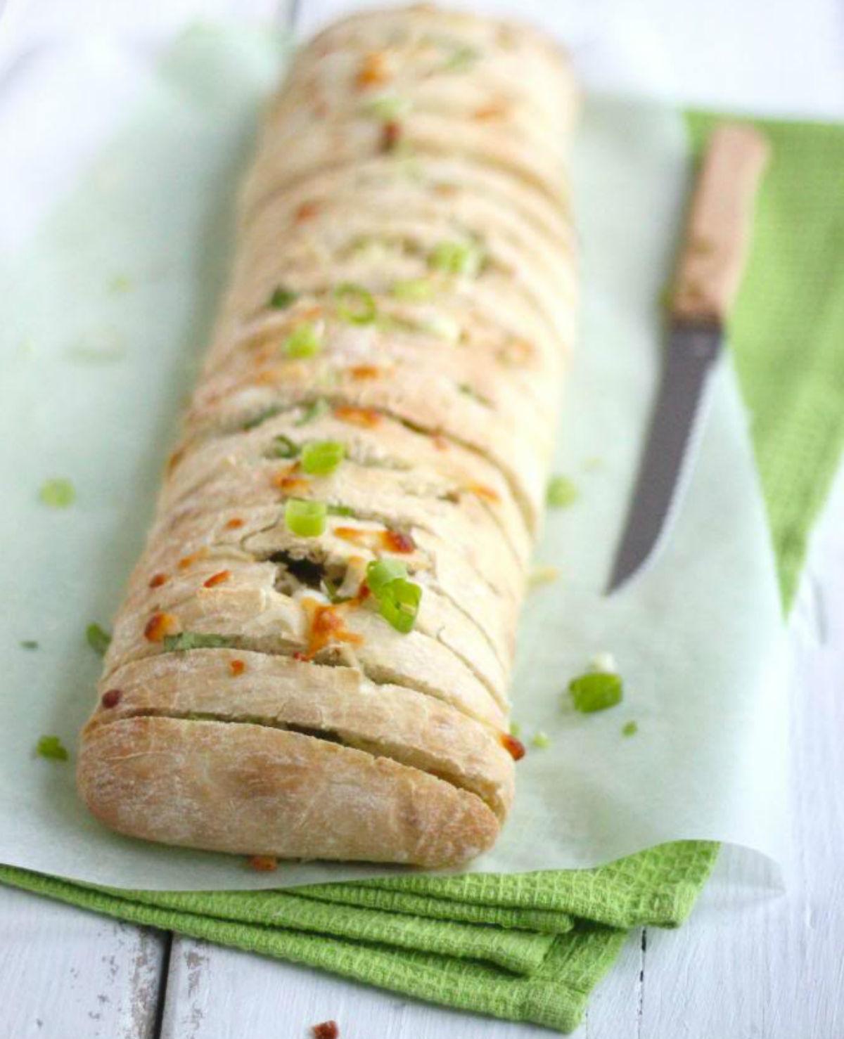 Voor bij de lunch of voor vanavond bij de BBQ: heerlijk snackbrood