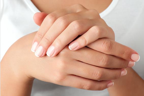 Life hack: Zó krijg je wittere nagels