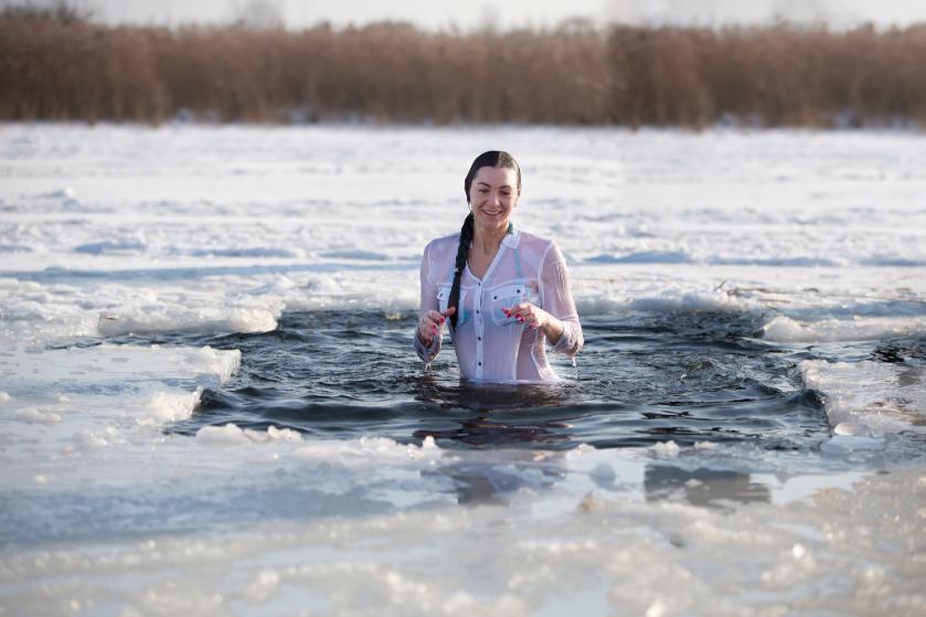 Nieuwe trend: zwemmen in ijskoud natuurwater
