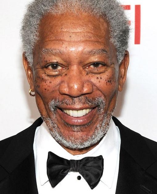 Morgan Freeman leest Justin Biebers 'Love yourself'