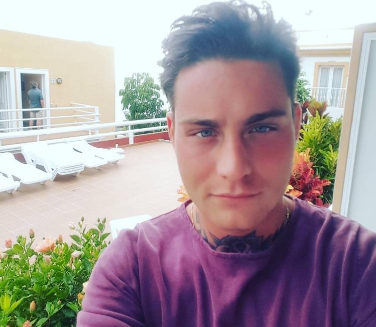 CUTE: Douwe Bob toont nieuwe liefde op Instagram