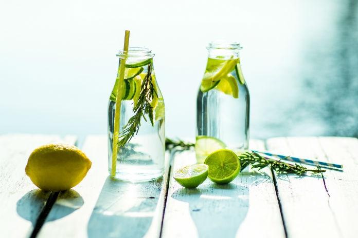 Fabel of feit: water met citroen helpt je afvallen