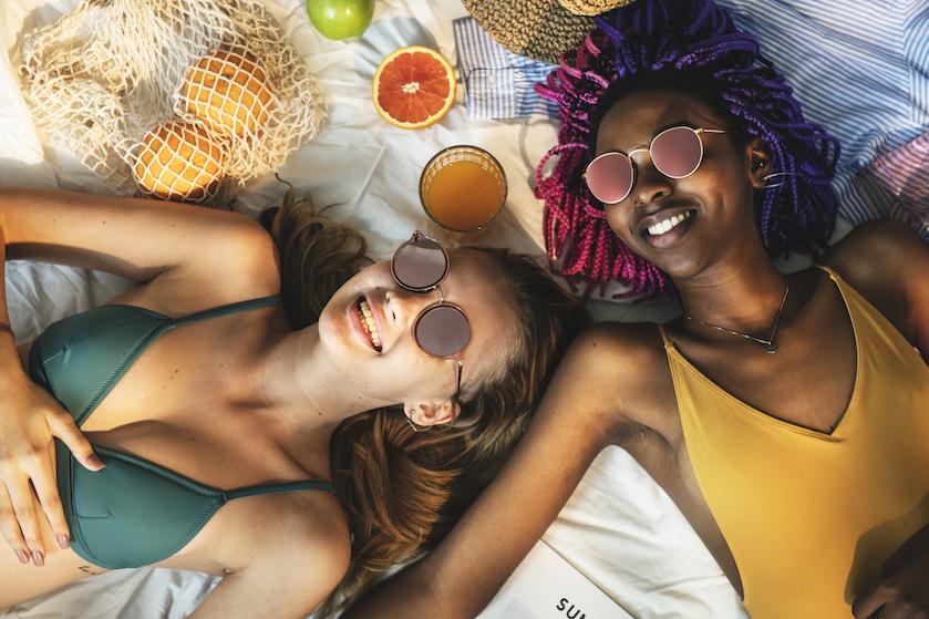 Klaar voor het zomerse weekend: 5 tips om veilig van de zon te genieten