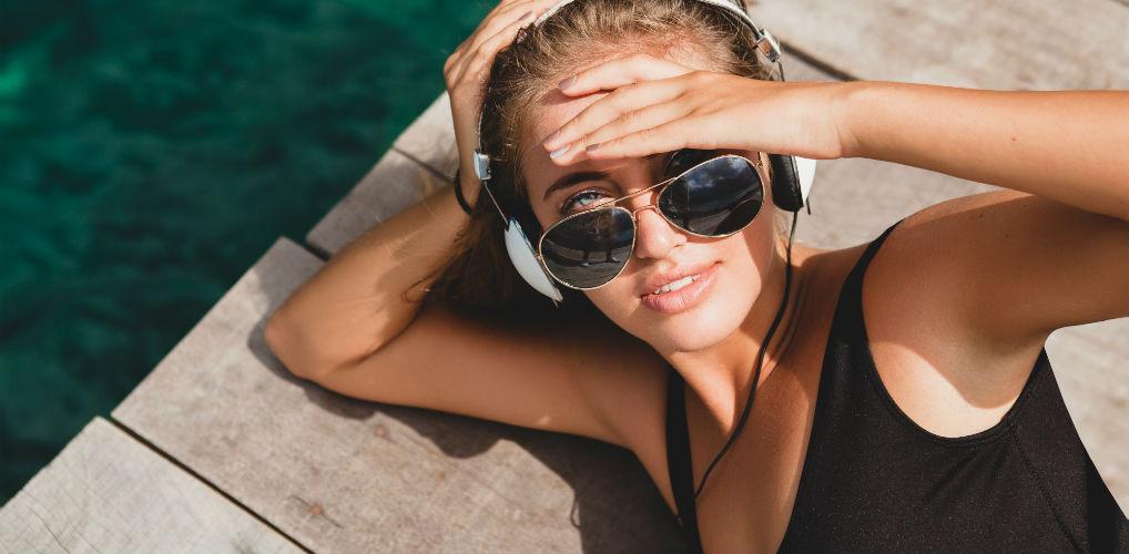 Afvallen was nog nooit zo makkelijk: volgens dit onderzoek verbrand je vet door in de zon te liggen