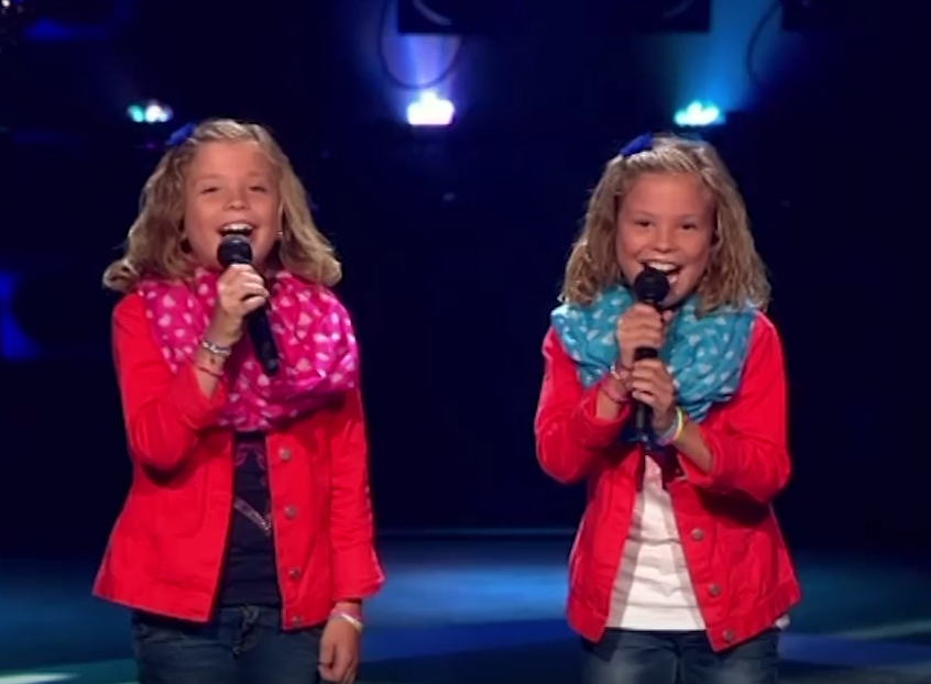 Schattige tweeling in The Voice Kids