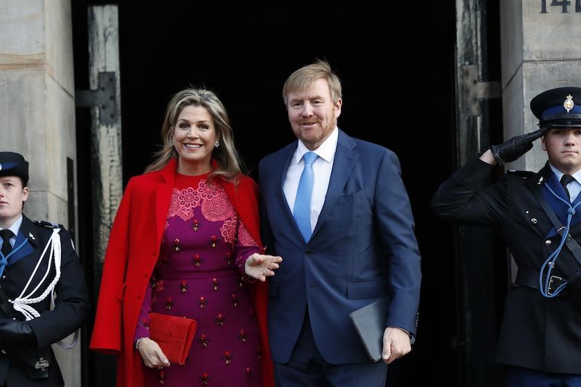 Willem-Alexander en Máxima zijn mogelijk in contact geweest met besmette personen