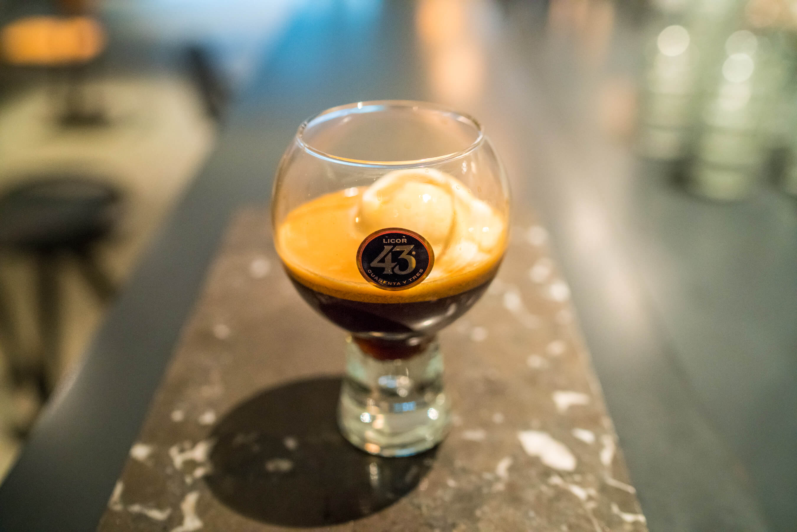 Cocktail from heaven: koffie, ijs en Licor 43 in één