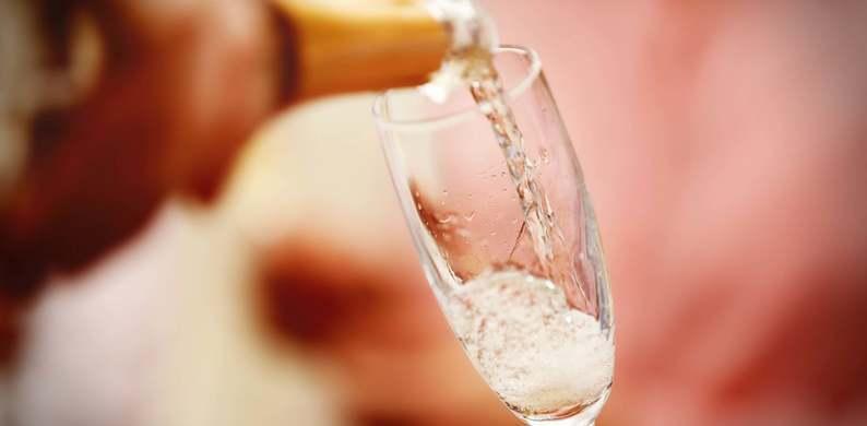 Cheers! Deze alcoholvrije cava is wél lekker