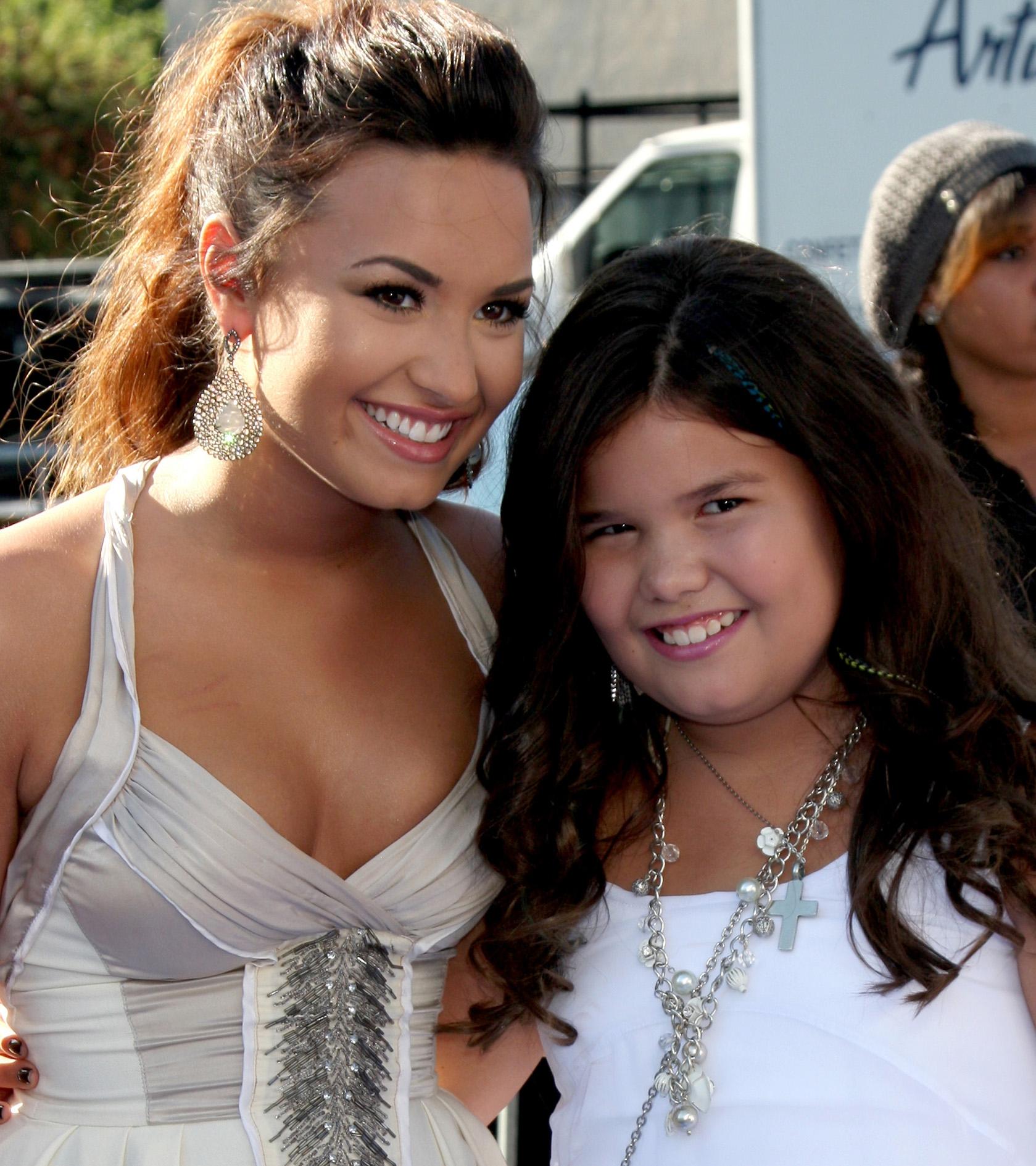 Wow! Zo ziet het kleine zusje van Demi Lovato er nu uit!