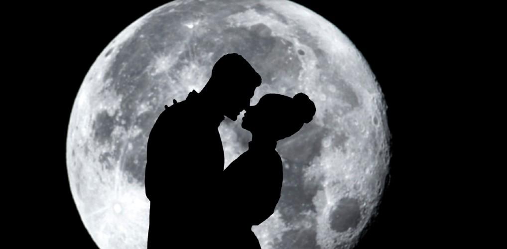 Lessen tussen de lakens: Naar de maan