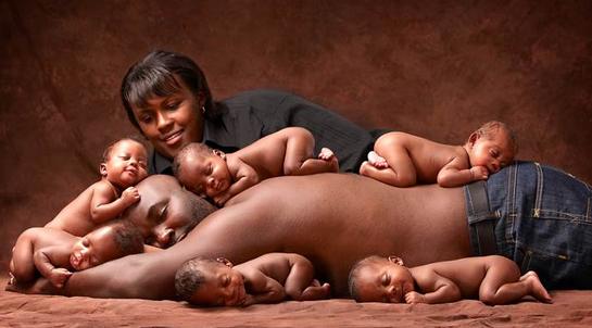 Toen en nu: deze zesling gaat zes jaar na geboorte weer samen op de foto!