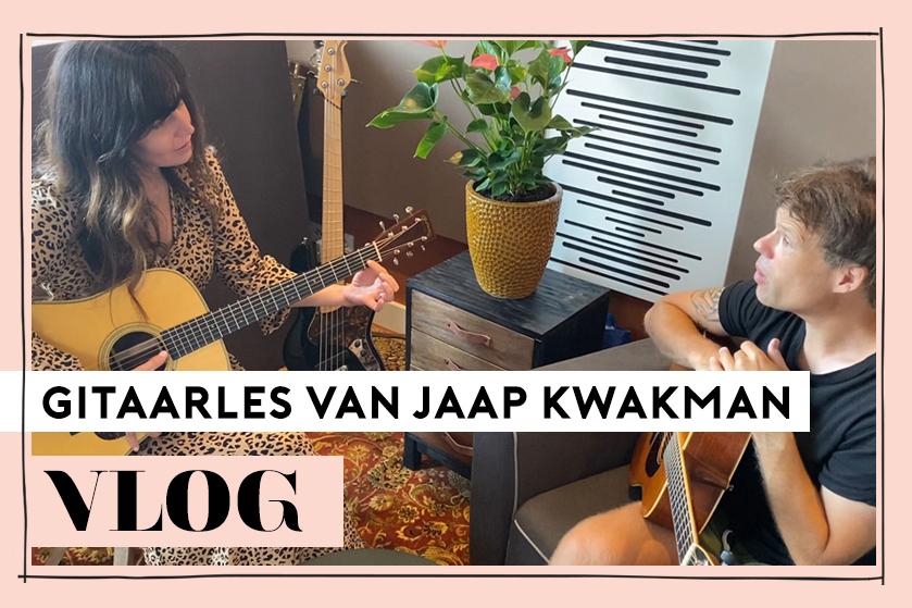 Flair TV: niet-muzikale Kirsten Schilder krijgt gitaarles van niemand minder dan Jaap Kwakman