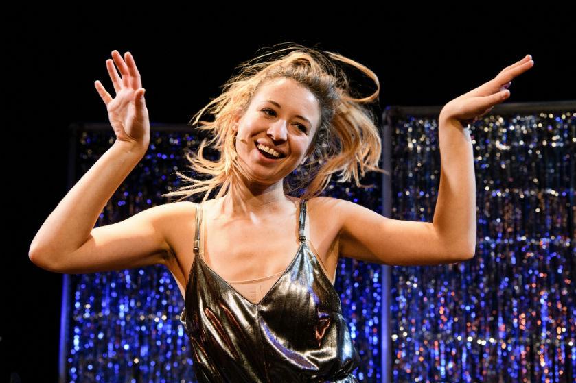 4 vragen aan cabaretier Anne Neuteboom: 'Ik ben extreem eerlijk en durf kwetsbaar te zijn'