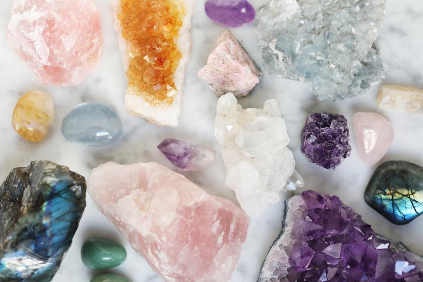 Deze kristallen helpen je een handje in de liefde: 'Ook bij liefde voor jezelf'