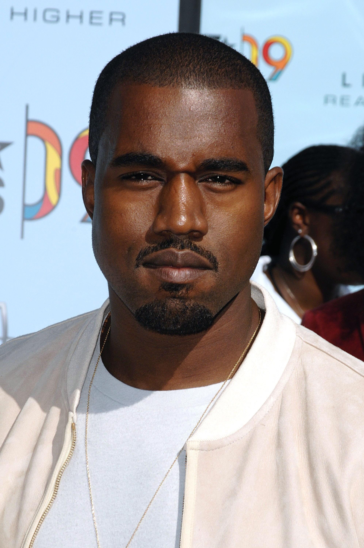Morgen opent Kanye West een pop-up store in Amsterdam!