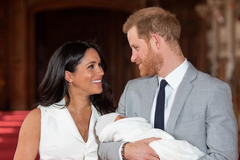 Zoet: prins Harry raakt maar niet uitgepraat over de pasgeboren Archie