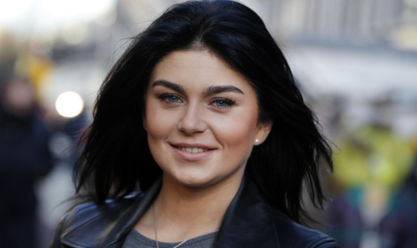 Roxeanne Hazes wil op bijzondere dag trouwen