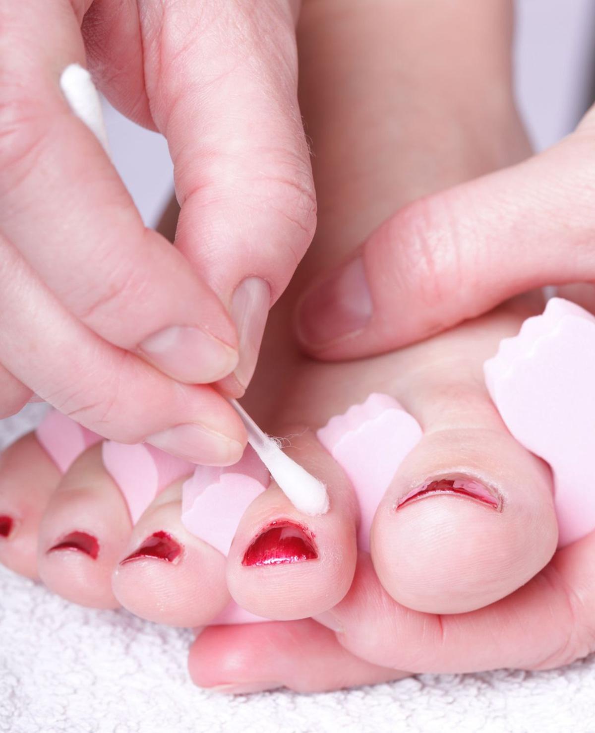 De allersnelste manier van nagels lakken ooit!