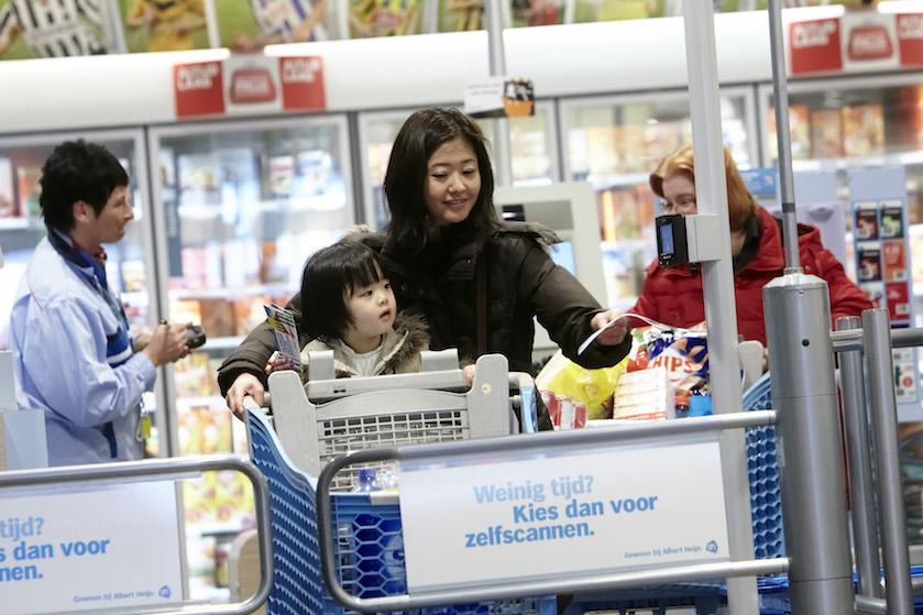 Giga kassastoring bij Albert Heijn: winkels mondjesmaat weer open